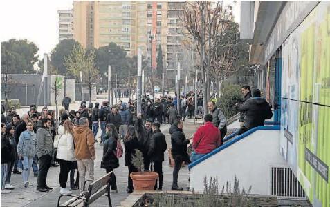 EXPECTACIÓN ANTE EL REAL ZARAGOZA-REAL MADRID DE LA COPA DEL REY EL DÍA 29
