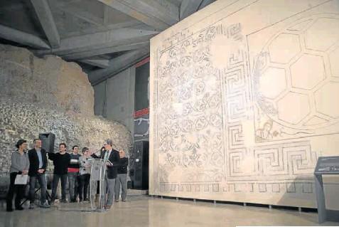 EL MUSEO DEL FORO ROMANO DE ZARAGOZA EXHIBE UN MOSAICO DEL SIGLO II D. C.
