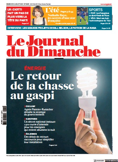 Front page of Journal Du Dimanche newspaper from France